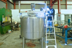 Stainless and aluminium tanks and structures for industry